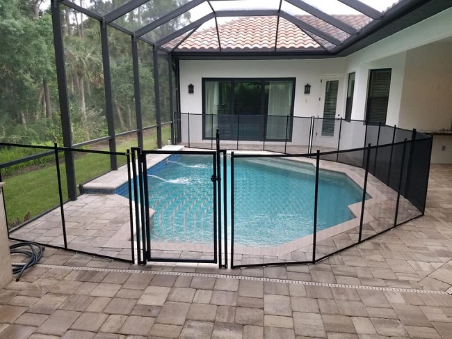 pool fence installed in Sarasota, Florida